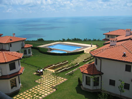 BlackSeaRama Golf & Villas, Belltower Complex